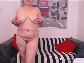 Sexy of age wife masturbate in front of her cam