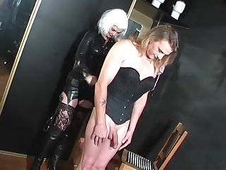 DOMINATRIX DINAH - TV SLUT TRAINING 2