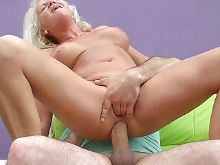 sexy 73 years old mom saucy big cock anal fuck