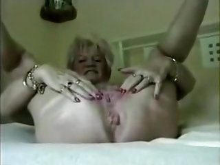 61 ripen ancient grandma from Texas.You are never too ancient in all directions enjoy sex.