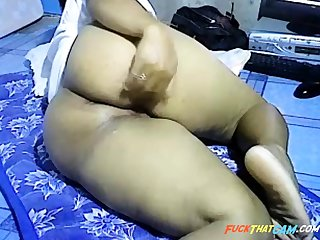 Asian girl showing big stone-blind ass in excess of webcam