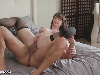 Step mommy gets pussy demoralized in plumb loco home XXX scenes