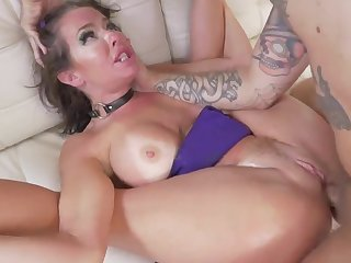 Tanned milf roughly fucked in relative to door style