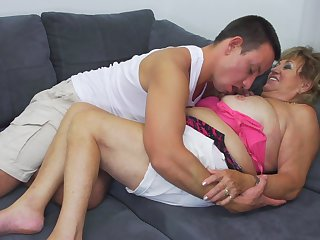 Chubby Katerina lets a friend fuck say no to until she reaches an orgasm