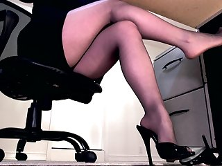 Ignored by brusque black pantyhose feet